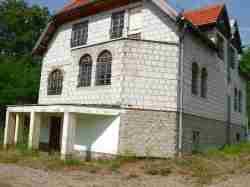 Dom wolnostojący z warsztatem