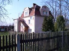 Dom na przedmieściu