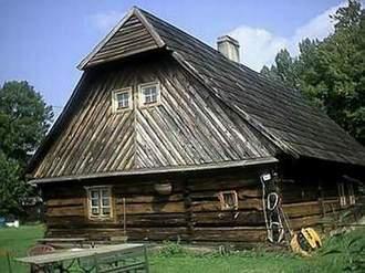 Dom wolnostojący na wsi