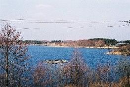 MAZURY - Działka  nad  jeziorem